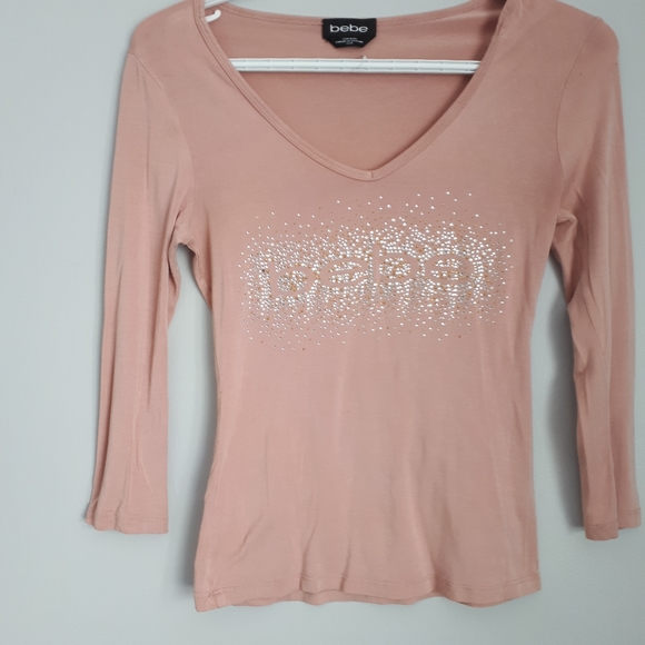 🍒3/$25Bebe blush colored sparkle king sleeve tee